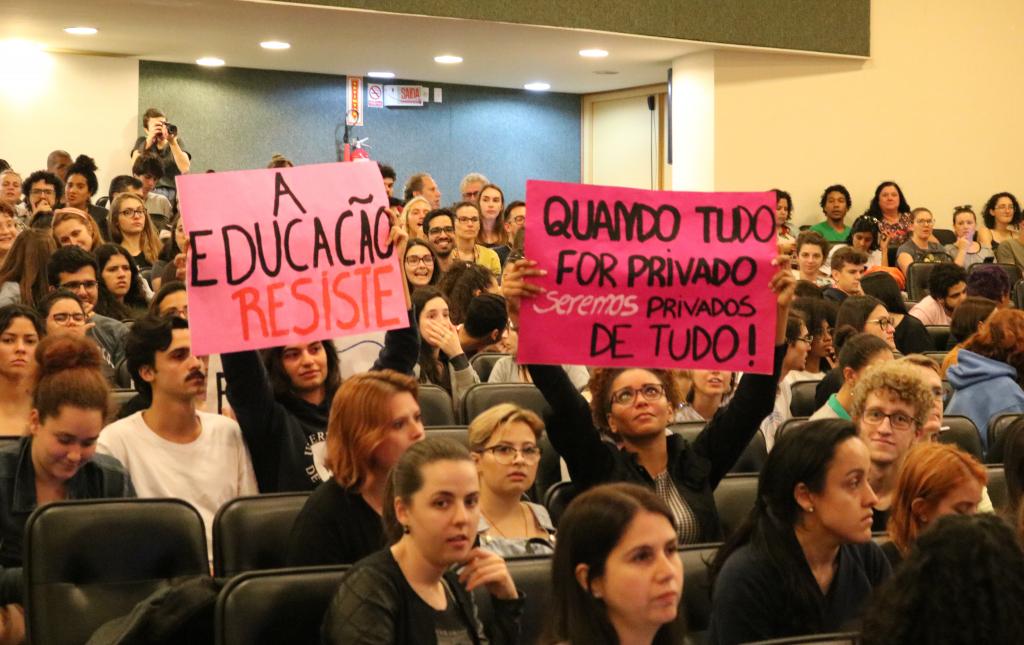 Audiência Pública na Alesc sobre os cortes nas universidades e institutos federais.
